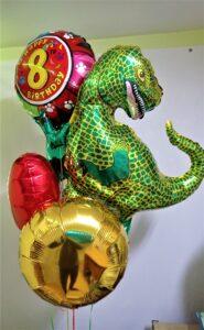 """Композиція """"ДИНОЗАВРИК"""" Ціна 420грн. В набір входить: -1шт. фольгований динозавр -4шт. фольговані кульки"""