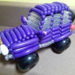 Автомобіль з кульок