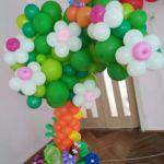 Арка з кульок у садок