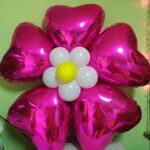 Квітка з фольгованих сердець